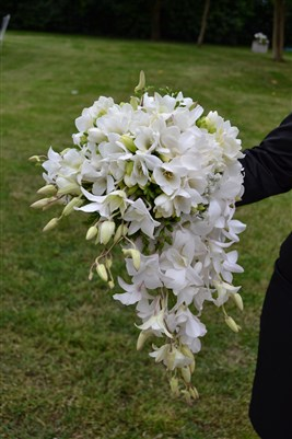 Bouquet sposa matrimonio total white