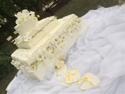 torta matrimonio d'estate in giallo