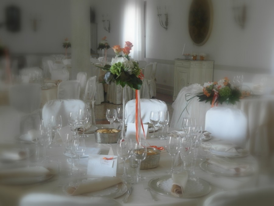 decorazioni floreali per matrimonio color arancio