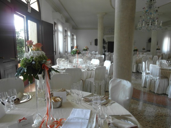 location per matrimonio color arancio