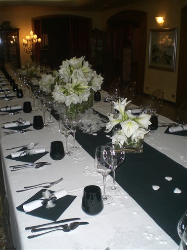 tavola matrimonio black and white